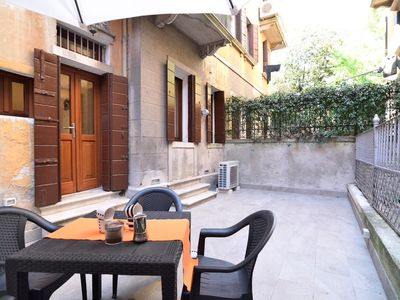 Photo for Apartment 247 m from the center of Venice with Internet, Air conditioning, Garden, Washing machine (666791)