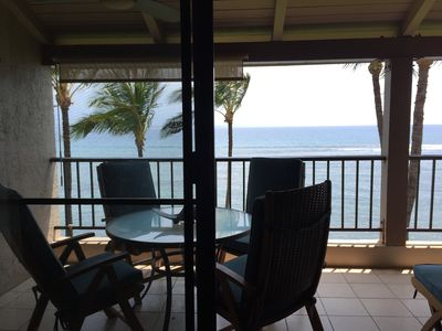 Photo for Maui 5 STAR REVIEWS Beautiful Ocean Front Remodel A/C Living Room*Lauloa 409*