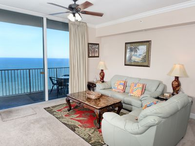 Photo for Spacious gulf-front condo! Free Wi-Fi. Waves Bar & Grill + Starbucks on-site!
