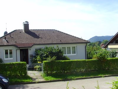 Photo for Separate holiday house with private pond, very cloe to the Gütermann Golf Club