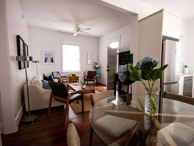 (A2) 2 King bedrooms/2 new bathrooms.  Parking + Privacy in SaintPhilipSquare