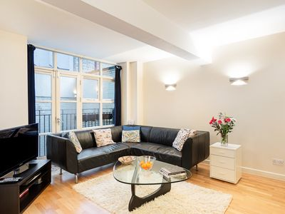 Photo for Amazing 2 Bed Apt, Sleeps 4 nr Shoreditch