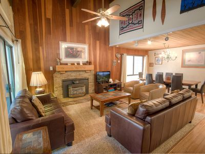 Photo for Lovely Incline Condo w/Fireplace.  Hot tub, pool, BBQ in Complex (FPC1053)