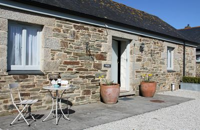 Photo for Beautiful, spacious one-bedroomed cottage close to Cornwall's Atlantic Coast
