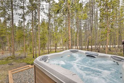 Look forward to soaking in your private hot tub after ski days!