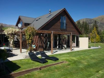 Photo for WANAKA HOUSE with PRIVATE OUTDOOR SPA POOL