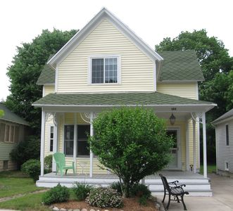 Photo for Charming 4 bedroom in the heart of Grand Haven!Winter 1200/mo. 4 month minimum.