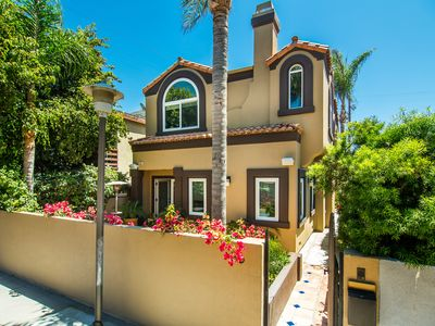 Large, Four-Story Mediterranean in Venice, Steps to Beach