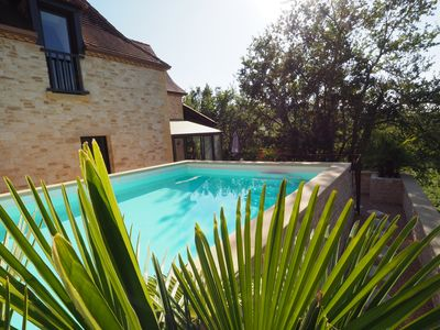 Photo for Magnificent prestige villa, heated pool, located in the heart of the Périgord Noir