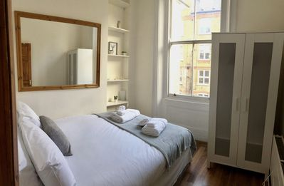 Photo for 4 Bedroom apartment in the City , 1min from the tube