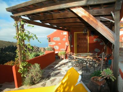 Photo for Lovingly furnished typical Canarian holiday home in a quiet location and pool