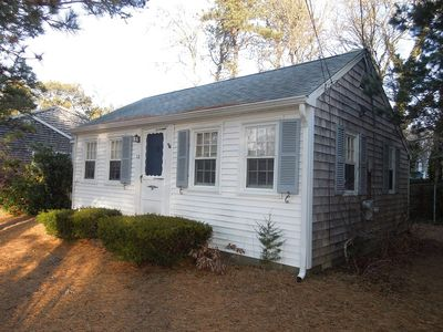 Photo for Cozy and Cute 2 Bedroom Cottage!