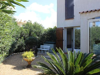 Photo for SIX-FOURS THE BEACHES (VAR) T2 closed garden parking at 600m from the beach Wifi Canal +