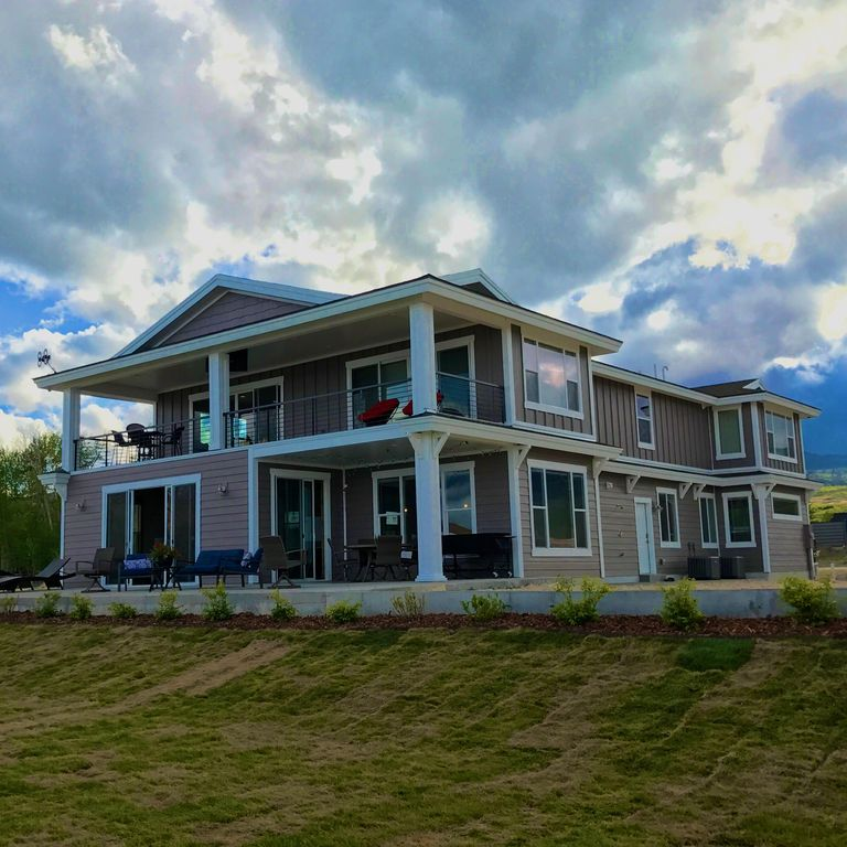 Lake Michigan Luxury Homes: Bear Lake's Finest Lakefront Home In The Private Legacy