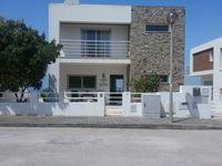 Modern and spacious villa and an interesting area to explore