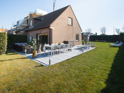 Photo for Beautiful detached home with spacious garden and infrared sauna, 800 m from the sea