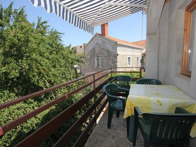 Photo for Two bedroom apartment with terrace Sali, Dugi otok (A-447-c)