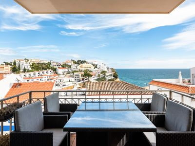 Photo for Spectacular apartment with sea view next to the beach