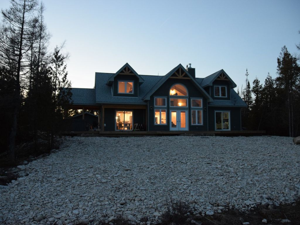Orchid Trail Newly Constructed Post And Beam Cottage On