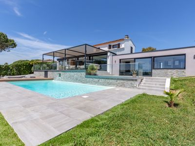 Photo for 5BR Villa Vacation Rental in Grimaud, Provence-Alpes-Côte d'Azur