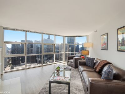 52th Floor Penthouse - Fireplace, VIEWS, grocery store in building.