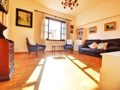 Photo for Apartment in the heart of the old town. OLIVA