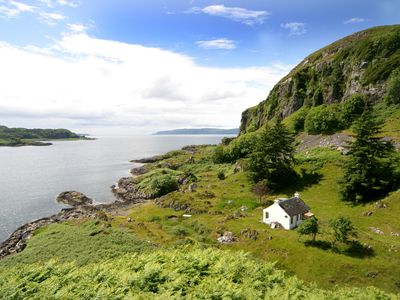 Photo for The ultimate secluded Holiday Cottage