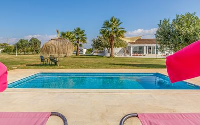Photo for Villa Laufer 7500m flat garden, free private tennis court, pool, A / C, BBQ, Wifi