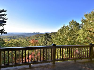 Rue with a View – Picturesque Mountain Views