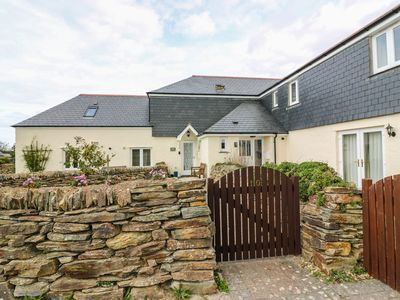 Photo for SORREL COTTAGE, pet friendly, with a garden in Padstow, Ref 982841