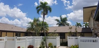 Photo for SLEEPS 4 - Lakefront with lanai and patio