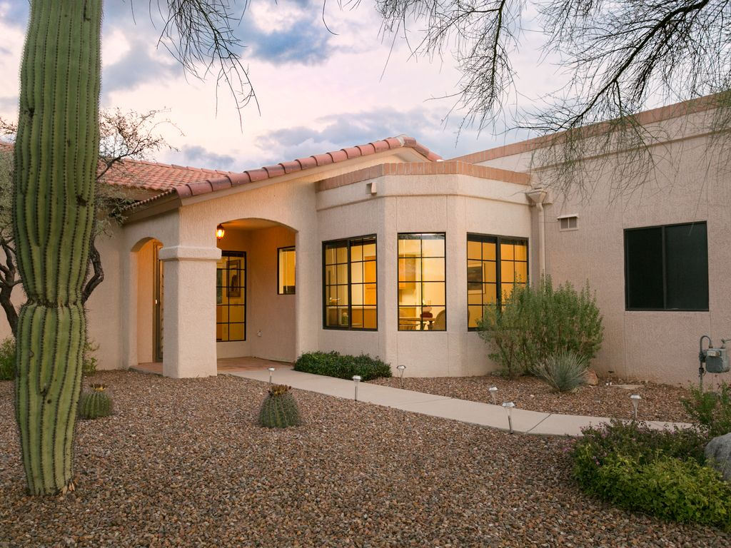 Desirable Sun City Oro Valley Area Lovely 2 Bedroom 2 Bath Town Home Oro Valley Southern