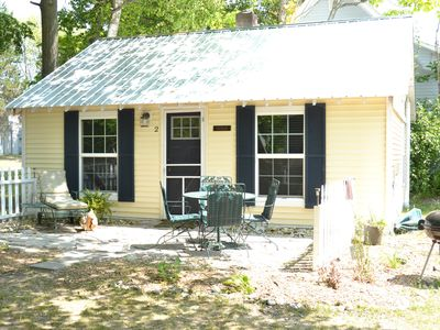 """""""Cedar""""-  Mackinaw City Cottage - Walking distance to town and Straits"""