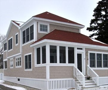 Charming Cottage at Exclusive Higgins Beach in Scarborough
