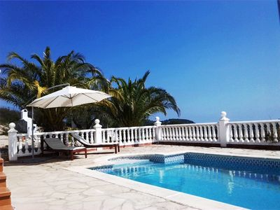 Photo for Exclusive villa / house with pool in paradisiacal environment for up to 8 people
