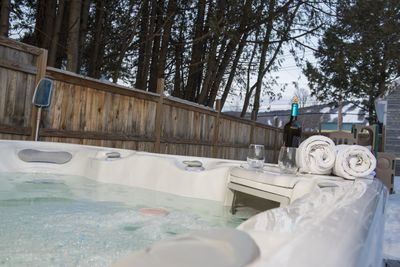 Outdoor hot tub with Cranmore view