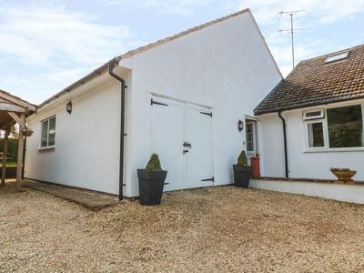 Photo for HILLCREST, romantic, luxury holiday cottage in Cranham, Ref 917641