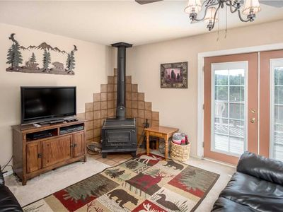 Photo for Mama Bear's Den, 2 Bedrooms, Sleeps 6, Wood Stove, Gas Grill, WiFi