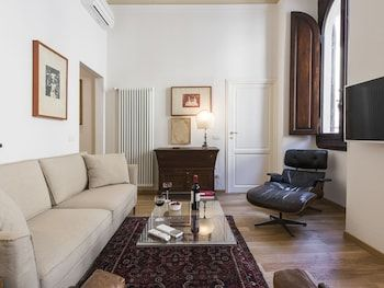Photo for Degas - Large and elegant apartment in the heart of Florence