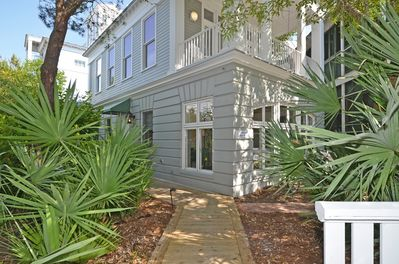 Path to Entry | Spin Echo | Cottage Rental Agency | Seaside, FL