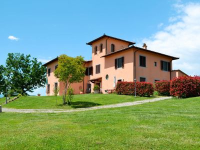Photo for Apartment Corte in Poggio (CEG103) in Cerreto Guidi - 5 persons, 2 bedrooms