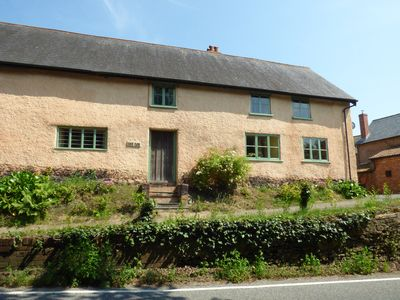 Photo for ROCK FARM, pet friendly, with open fire in Ottery St Mary, Ref 954158