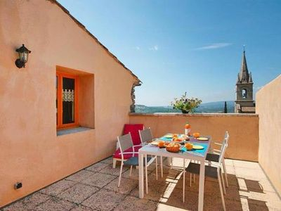 Photo for Holiday flat, Bonnieux  in Vaucluse - 5 persons, 1 bedroom