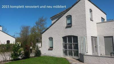 Photo for Comfortable holiday home for 6 persons, 2 bathrooms, 2 toilets, sauna. Compl. Refurbished.
