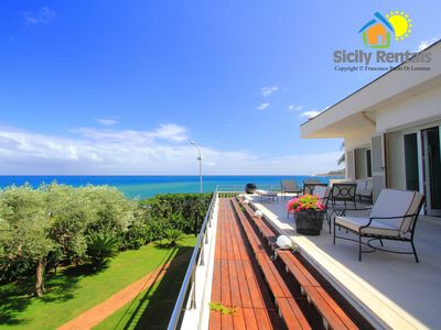 Photo for Luxurious sea view villa located in the famous seaside resort of Mondello