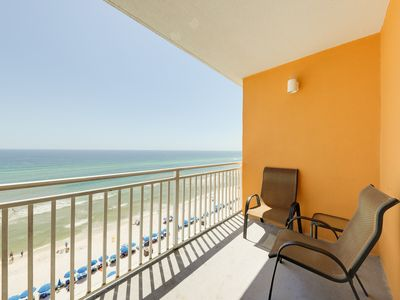 Photo for Gulf-front resort w/ seasonal beach service & shared pools/hot tub/lazy river!