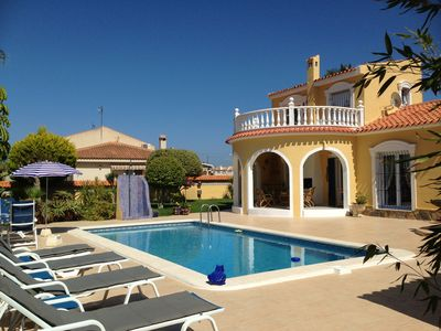 Photo for Well kept villa with pool, all amenities on site