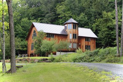 The Aerie, Woodstock VT Welcomes 14 guests in luxury