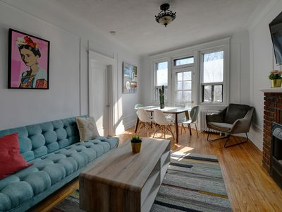 Photo for Modern 1500 sqf 4bdrs modern apt NDG .Walking dist to Monkland