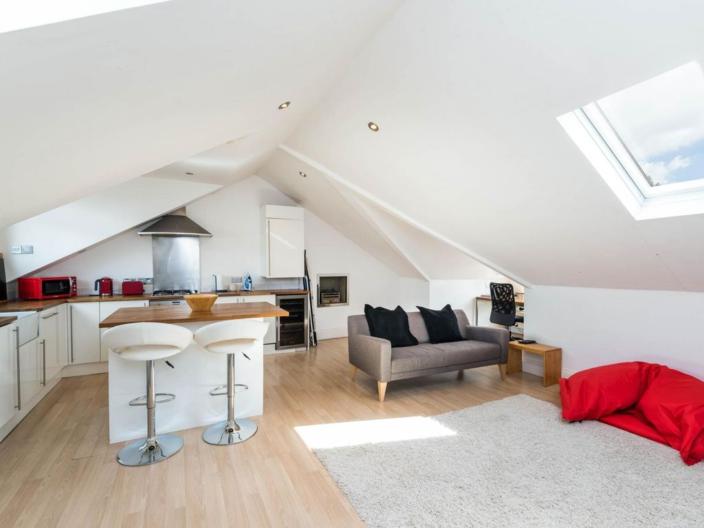 Foyer Apartments Clapham South : Luxury modern bed loft conversion clapham south one